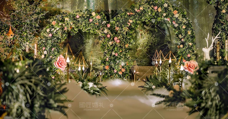 广州绿色清新户外婚礼布置