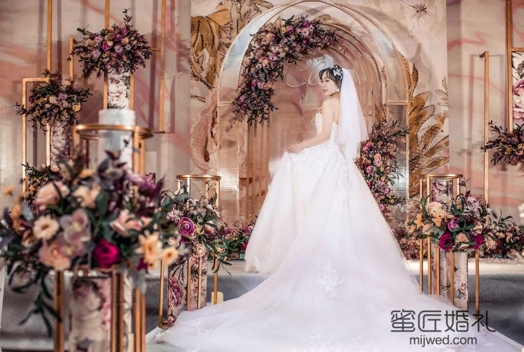 定制西式婚礼需要注意什么