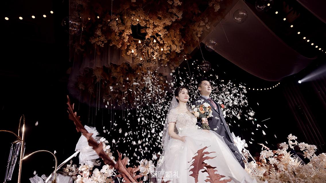 婚礼现场鲜花装饰技巧,助你打造一场温馨浪漫婚礼