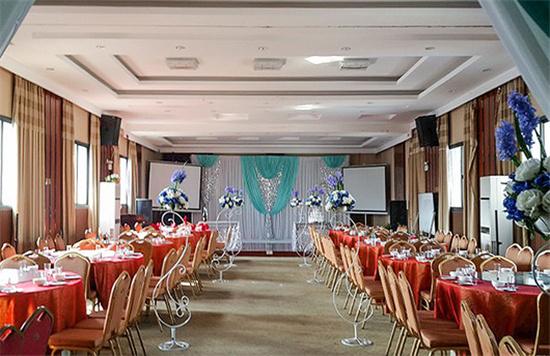 西式东湖区特色婚宴酒店