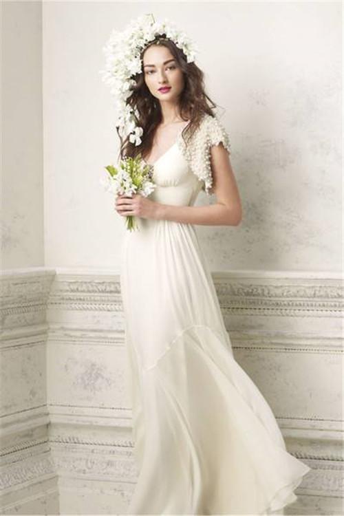 如何根据婚纱来搭配内衣