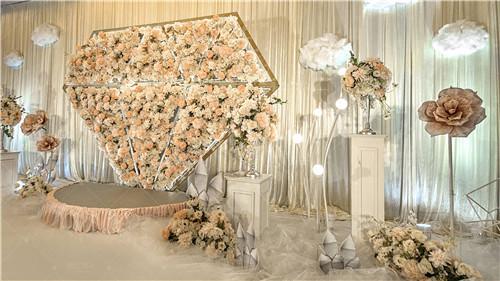 怎样布置甜美浪漫的婚礼