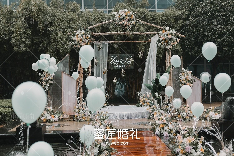 婚礼气球布置现场图片