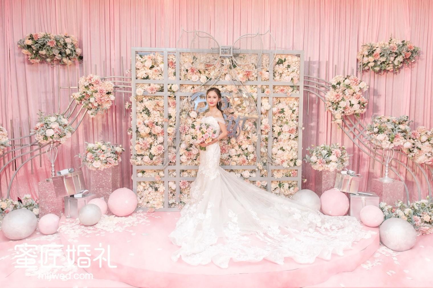 粉色婚庆布置效果图 粉色系婚礼布置效果图