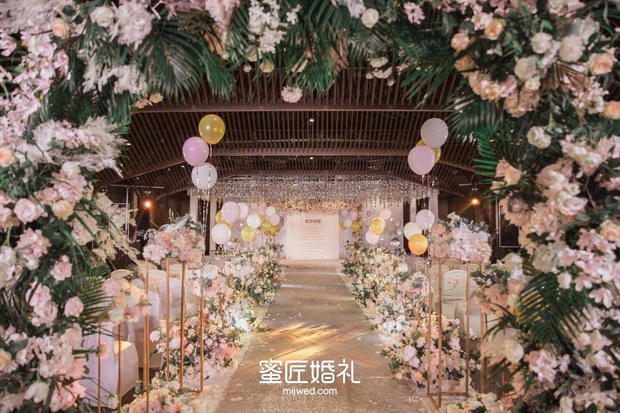 春节婚礼女方致辞简短大气 2020年春节女方代表婚礼致辞较新