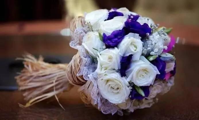 形容花漂亮唯美的诗句 形容花漂亮唯美的说说