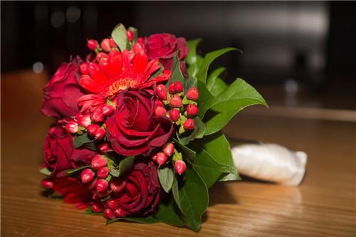 新新娘手捧花买哪个颜色