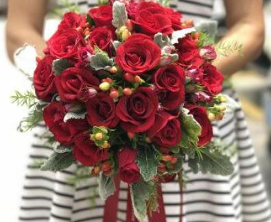 红玫瑰捧花