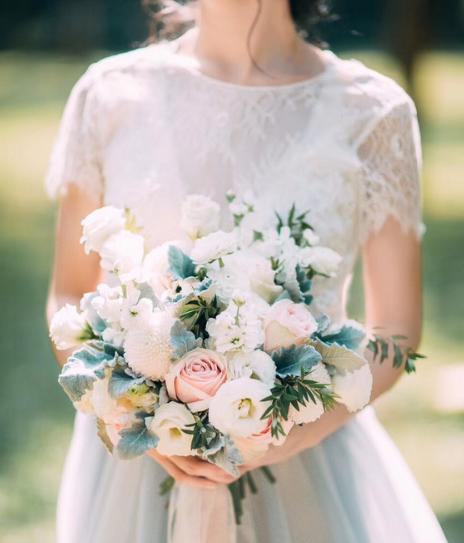 新娘婚礼服装图片欣赏 女士结婚服装图片