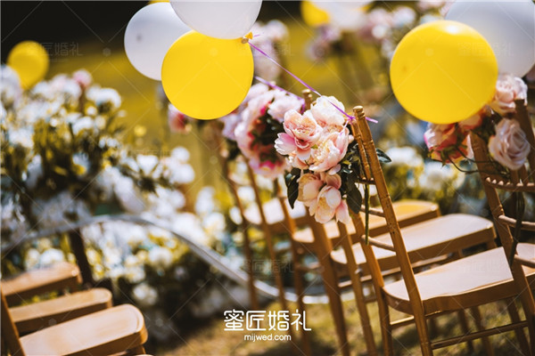朋友新婚祝福语简短上档次