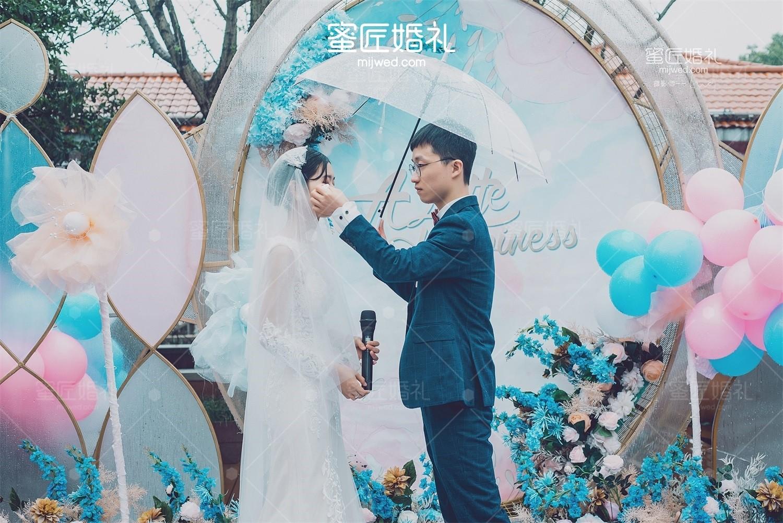 高端大气婚礼布置图片较新