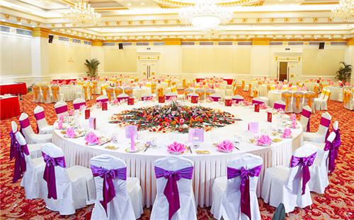 一般婚礼请多少桌人