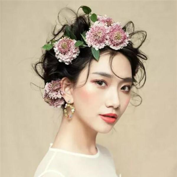 短发新娘发型简单大方步骤