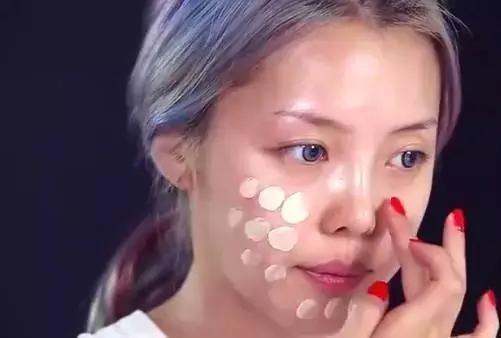 美容化妆哪个更有前景