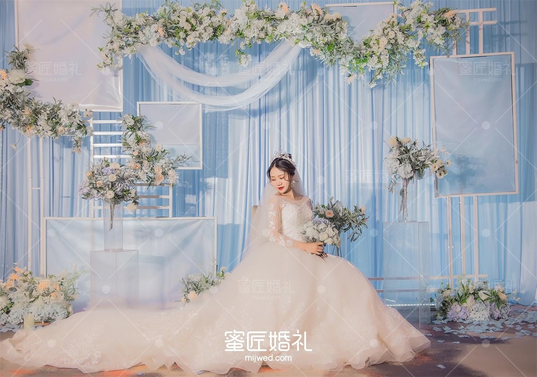 武汉简单大气温馨婚礼策划
