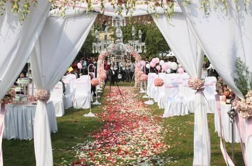 参加婚礼穿什么 适合参加婚礼的女装
