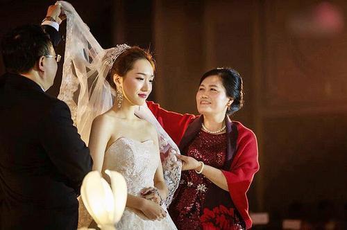 国庆节新娘妈妈婚宴装 新娘妈妈婚宴装品牌