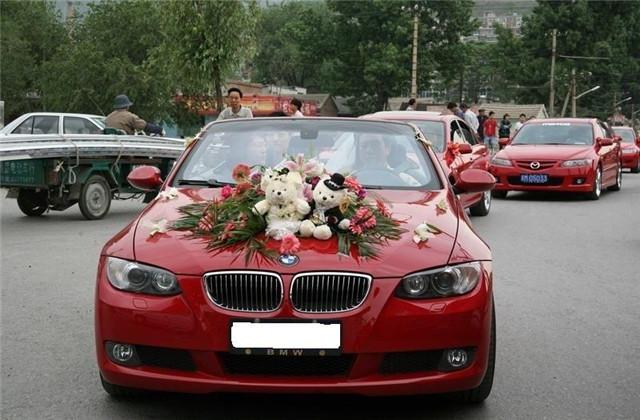 婚车前后是白车什么寓意,婚车车队用白色的车好不好