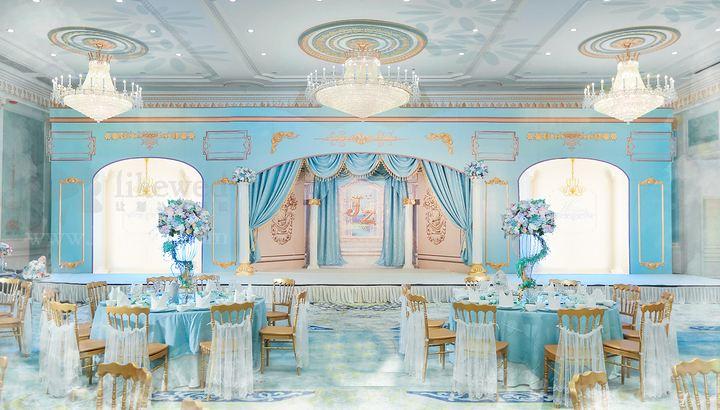 唯美签到台怎么布置 唯美婚礼签到台布置效果图