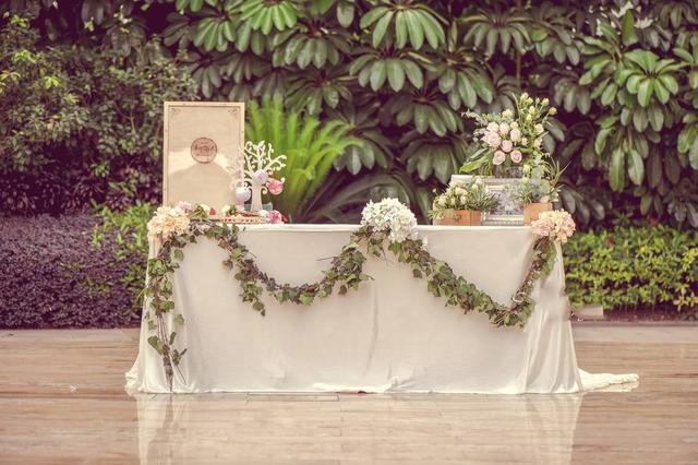 婚礼签到台设计效果图 婚礼签到桌布置