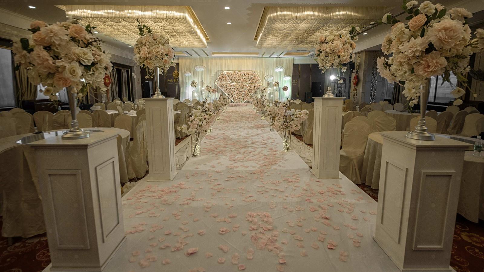 婚礼现场布置效果图浪漫