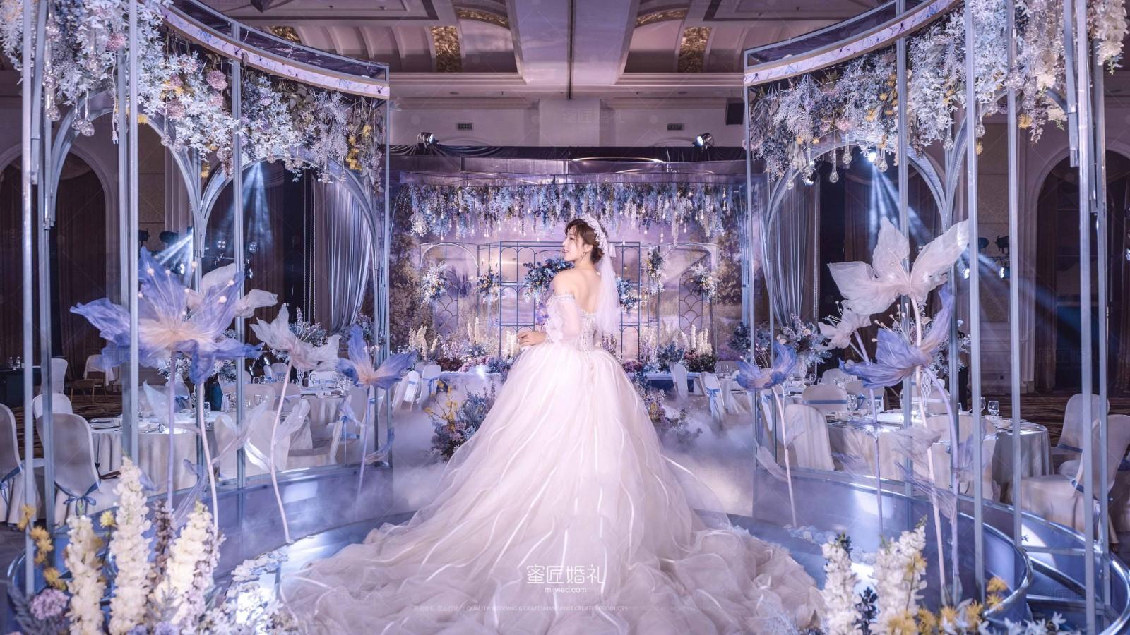 室内婚礼现场布置效果图