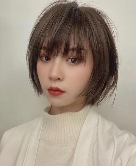 2021年什么发型好看女 2021年流行发型女中短发