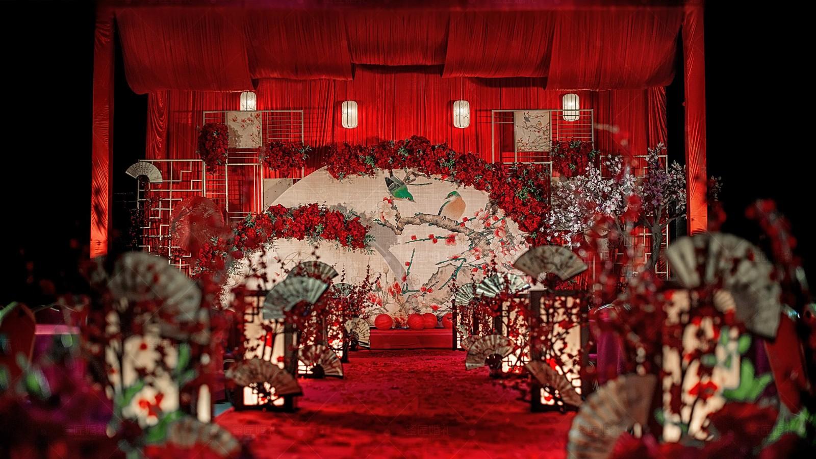 红色系婚礼现场