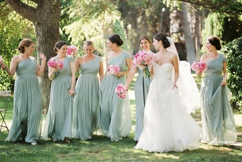伴娘为啥不能比新娘大 伴娘比新娘大有忌讳么