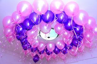 气球怎么摆墙上好看 婚房墙上粘气球妙招