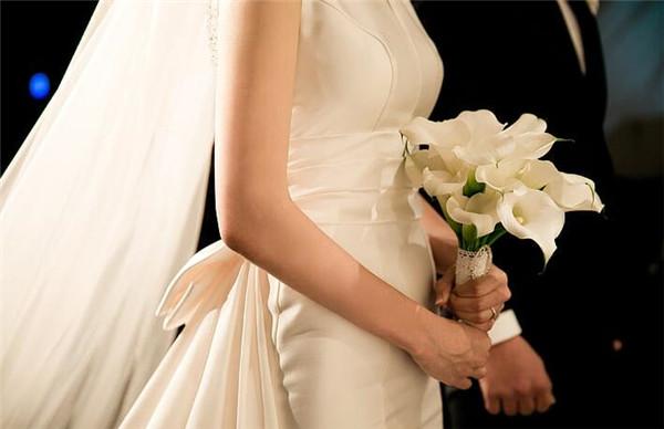 婚礼延期了二次邀请怎么说 推迟婚礼重新举行的朋友圈