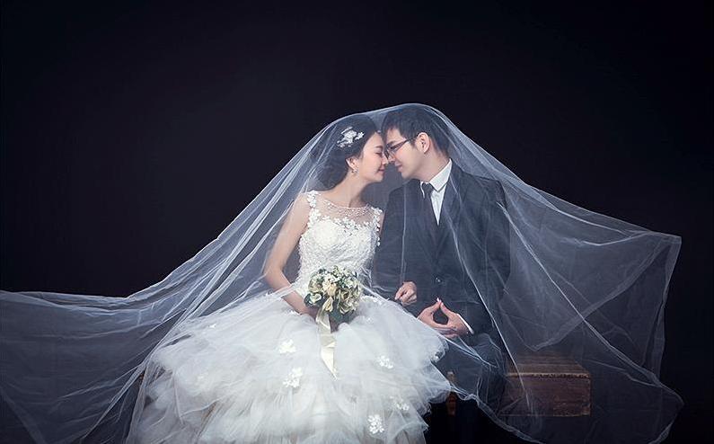 晒结婚照简短文字 公布婚纱照的句子