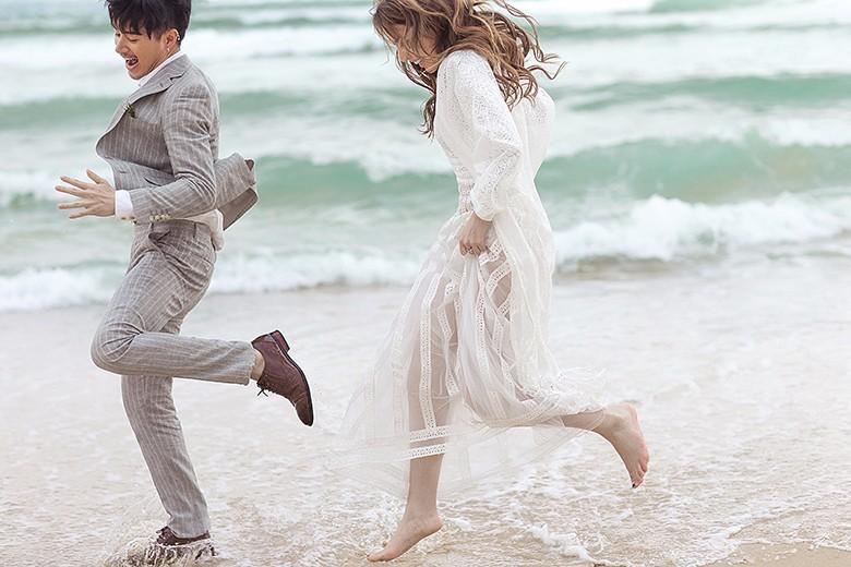 发婚纱照的朋友圈配什么文字 朋友圈秀结婚照的话语
