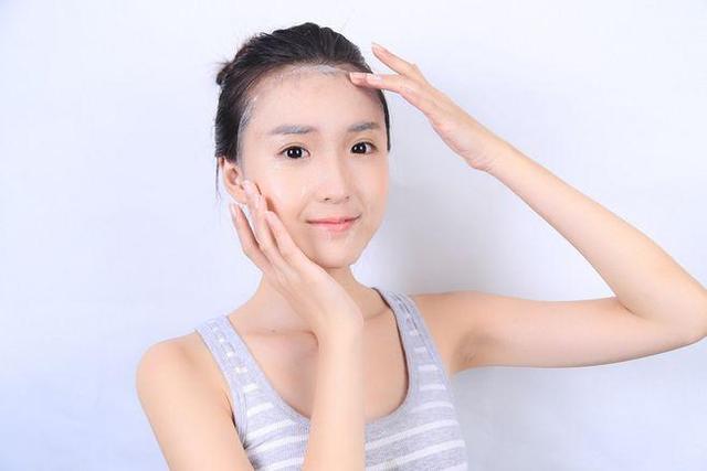 春季油性肌肤的护理 让油性肌肤保持清爽