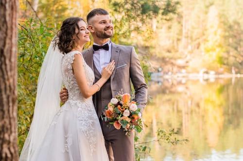 婚礼祝福简短大气 一句简短的结婚祝福语