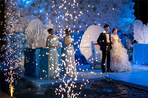 婚礼现场适合唱什么歌 婚礼现场唱什么歌好