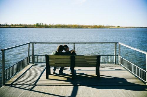 情侣照发朋友圈的句子 情侣发朋友圈的文案