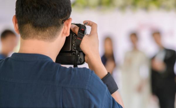 滑县婚庆摄影师多少钱 滑县婚礼摄像师一场多少钱