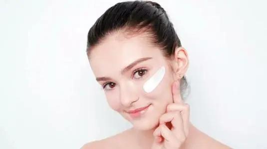 护肤需要哪些护肤品 正常护肤需要哪些东西