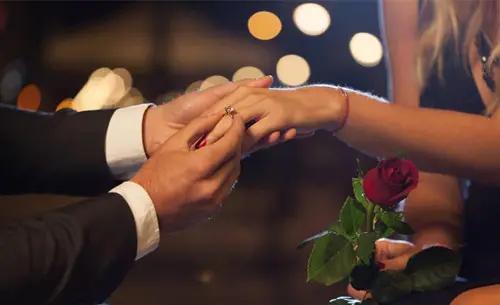 最感人的求婚告白简短 求婚告白词简单感动