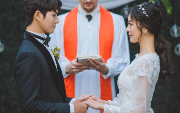 国庆婚礼邀请短信