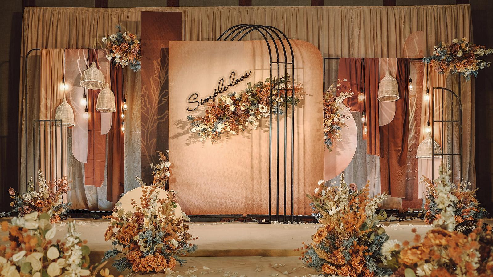 新泰市婚礼策划方案:简单爱