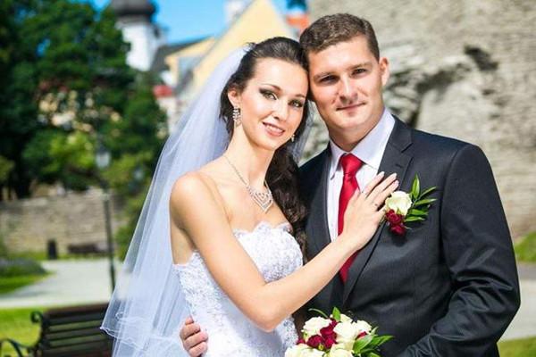 结婚门口迎宾说什么 结婚酒店门口的迎宾词