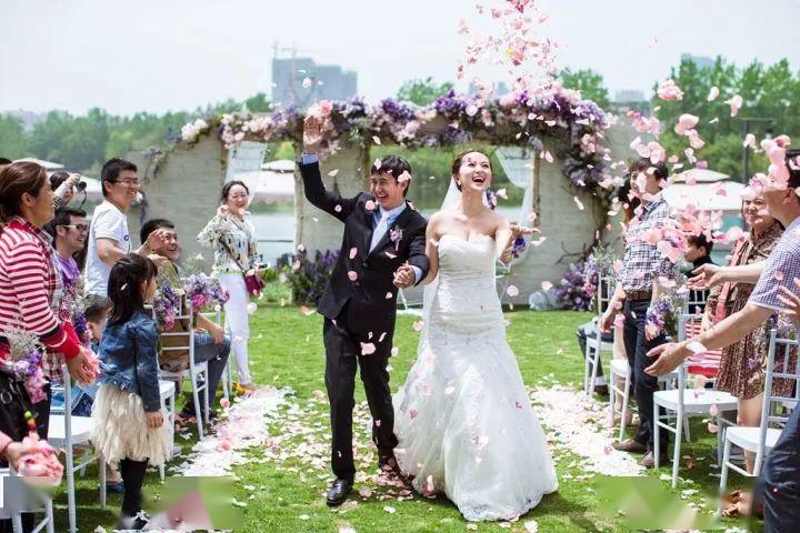 委婉的表示去不了婚礼现场 委婉的表示去不了婚礼现场措辞