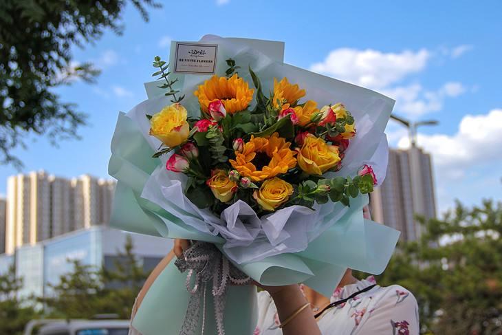 指定送手捧花的台词 新娘指定送手捧花的台词