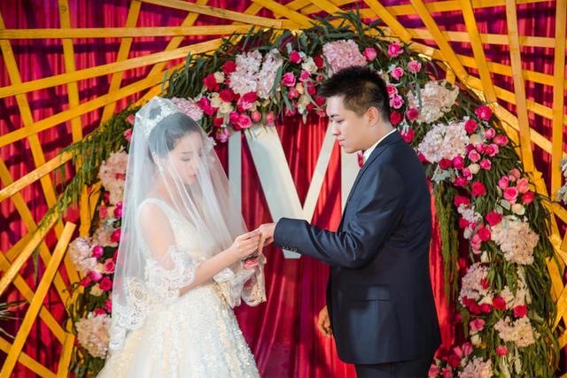 怎样写儿子结婚请柬范文
